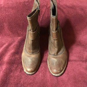 Indigo Mid calf boots
